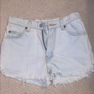Light Wash Levi's Scalloped Hem Denim Shorts